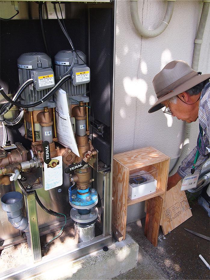 小金原団地-テラル製直結増圧ポンプに温湿度計を設置